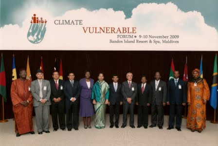 Climate Vulnerable Forum Maldives - Maldives CVF - Group Photo of Heads of Delegation to the First Climate Vulnerable Forum near Male', Maldives, November 2009